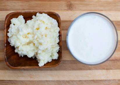 probiotic kefir drink made of milk and tibetan mushroom grains